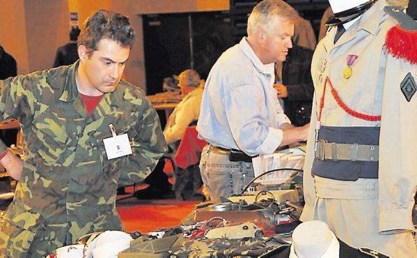 Carcassonne. Le succès de la bourse militaire - 3ème RPIMa 2012_030