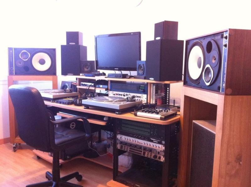 STUDIO With JBL 4310 (WOOD & GREY Versions) Studio10