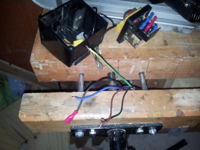 Branchement moteur / bouton marche/Arret sur scie sur table (Feider aujourd'hui feidwood) 2012-016