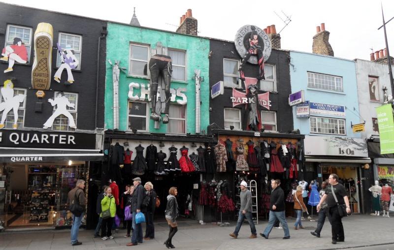 STREET VIEW : les façades de magasins (Monde) - Page 2 62161710