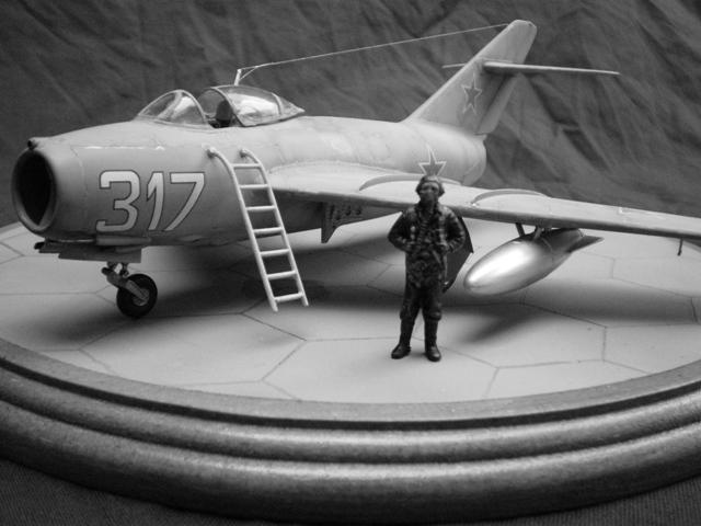 MiG-15 Bis ( Tamiya + Cockpit True Detail 1/48) 0010