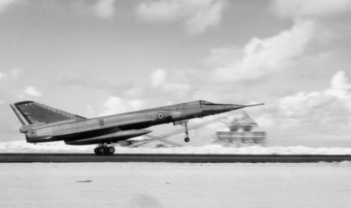 """Fil Rouge 2021 * Mirage IV A n°31/BD """"Opération Tobus """" (Heller 1/48)  0237"""
