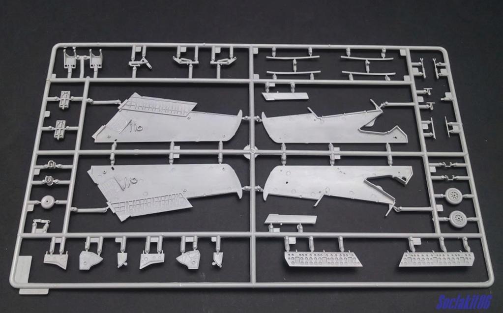 MiG-15 UTI (Trumpeter 1/48)  0421