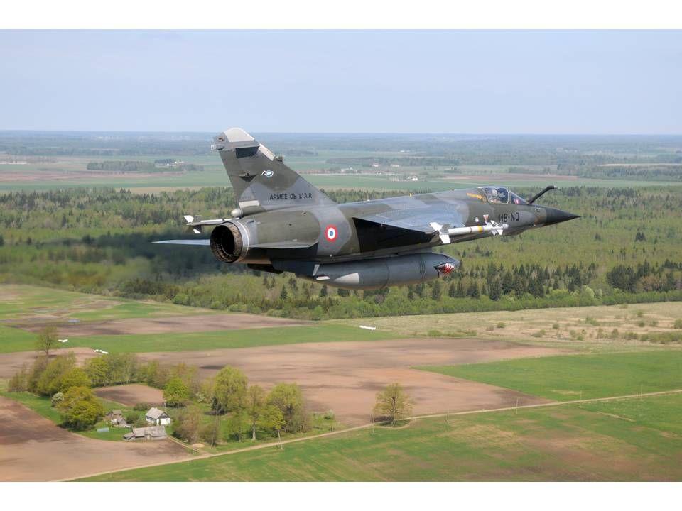 Mirage F-1 CR n°658 / 118-NQ (Kitty Hawk 1/48) opex Baltic Air Policing 2013 ... 0adb2e10