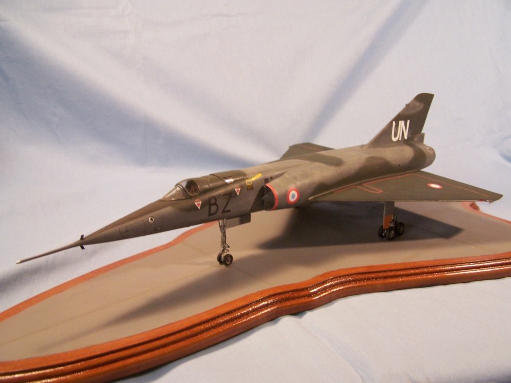 """Fil Rouge 2021 * Mirage IV A n°31/BD """"Opération Tobus """" (Heller 1/48)  - Page 2 100_4812"""