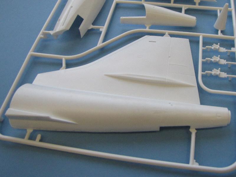 """[CONCOURS """"Ca brille""""] Concorde n°203 / F-BTSC - Heller -1/72 --> maquette détruite 10493-30"""
