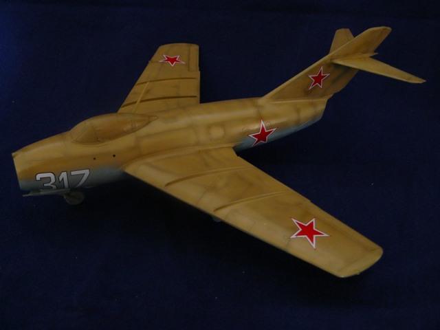MiG-15 Bis ( Tamiya + Cockpit True Detail 1/48) 110