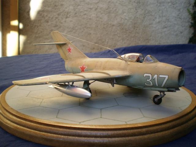 MiG-15 Bis ( Tamiya + Cockpit True Detail 1/48) 1310