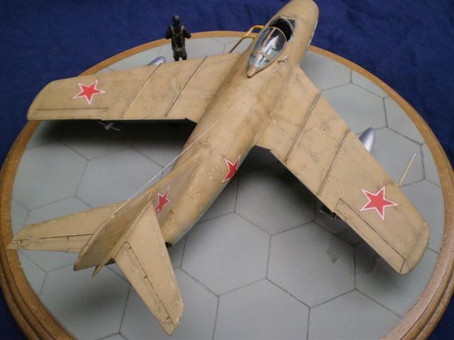 MiG-15 Bis ( Tamiya + Cockpit True Detail 1/48) 1610