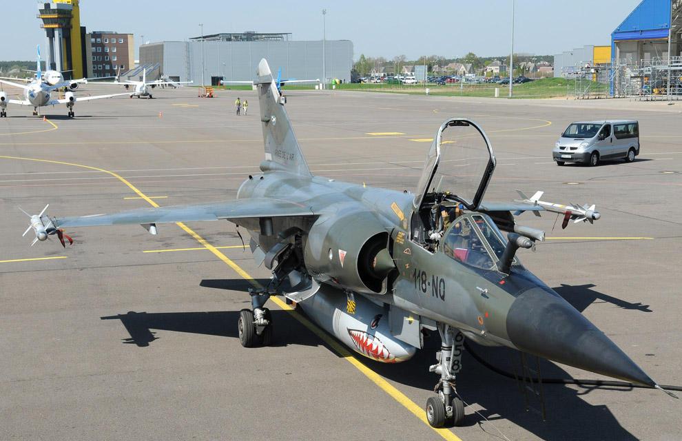 Mirage F-1 CR n°658 / 118-NQ (Kitty Hawk 1/48) opex Baltic Air Policing 2013 ... 2013ae13
