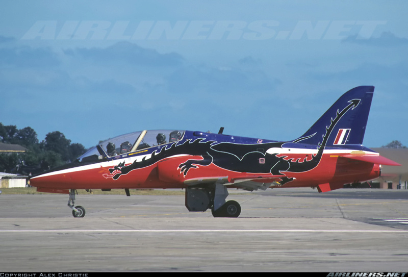 BAe Hawk T-1 (Revell 1/32) XX-172 St Athan Station Flight 1995  - Page 2 25722312