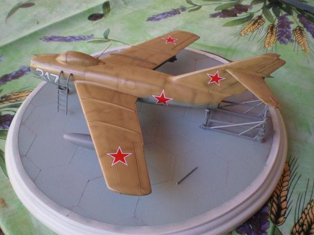 MiG-15 Bis ( Tamiya + Cockpit True Detail 1/48) 310