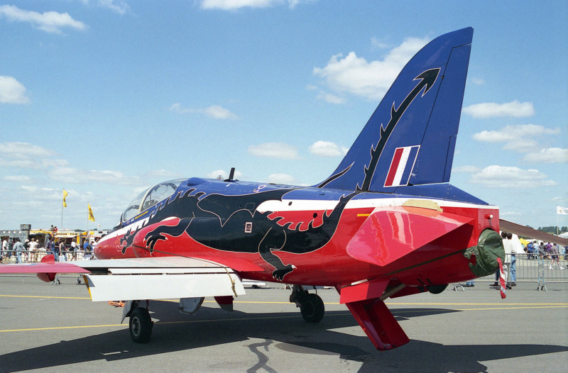 BAe Hawk T-1 (Revell 1/32) XX-172 St Athan Station Flight 1995  - Page 2 33420110