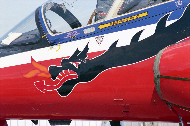 BAe Hawk T-1 (Revell 1/32) XX-172 St Athan Station Flight 1995  - Page 2 33493310