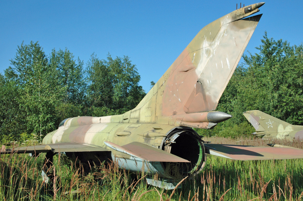 "MiG-21PF (Eduard  réf 1187 ""Silver Harrows "" 1/48)  66610310"