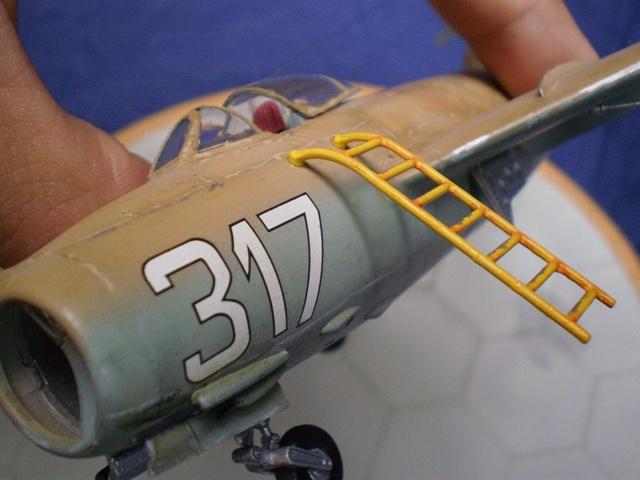 MiG-15 Bis ( Tamiya + Cockpit True Detail 1/48) 711