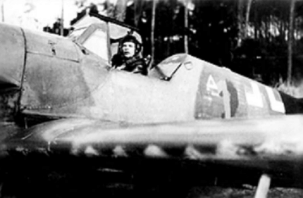 Bf 109 K-4 W.Nr. 332660 du 11/JG-53 (hasegawa 1/48)  B27