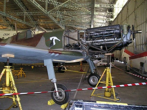 visite du petit musée de l'aéronaval de Rochefort D520az10