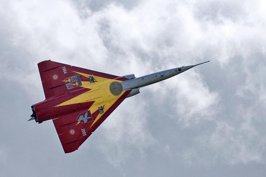 """Fil Rouge 2021 * Mirage IV A n°31/BD """"Opération Tobus """" (Heller 1/48)  - Page 2 Dernie10"""