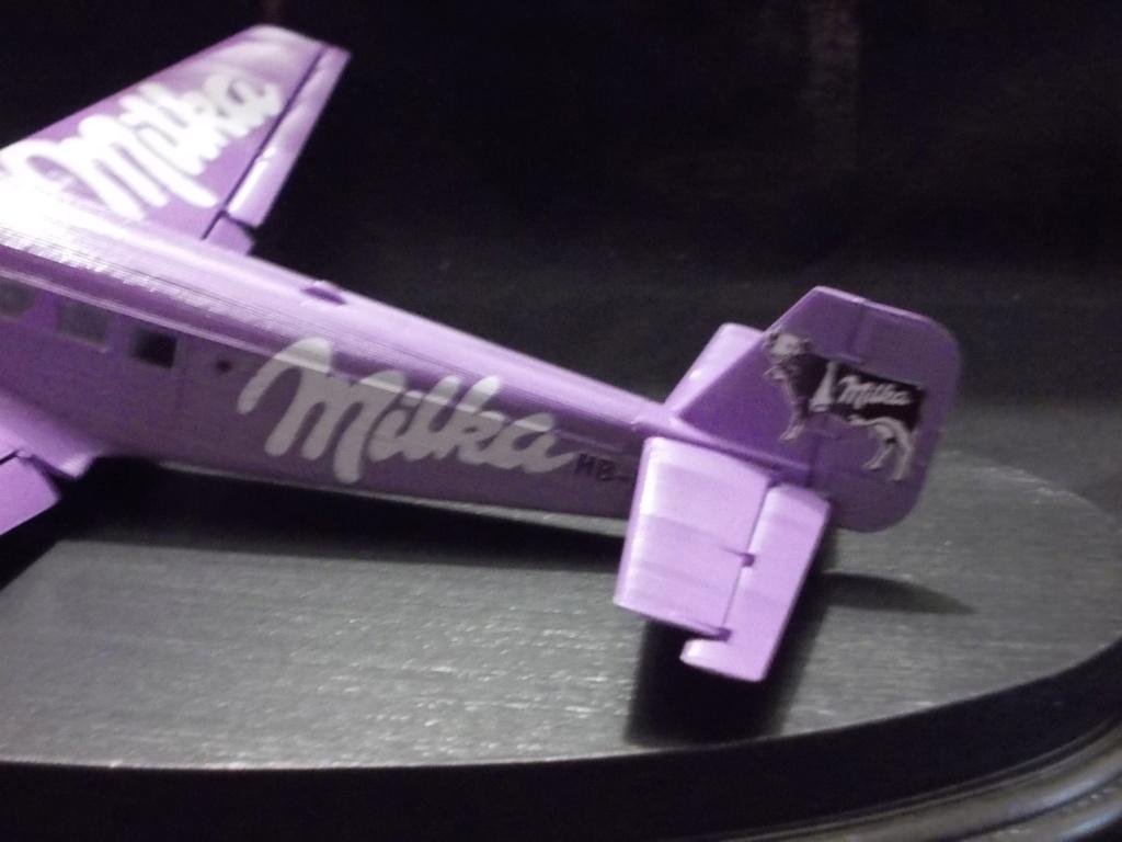 "Junkers Ju-52 ""Milka"" ( Italeri plus  décals Karaya et FFSMC au 1/72 )  Dscn0021"
