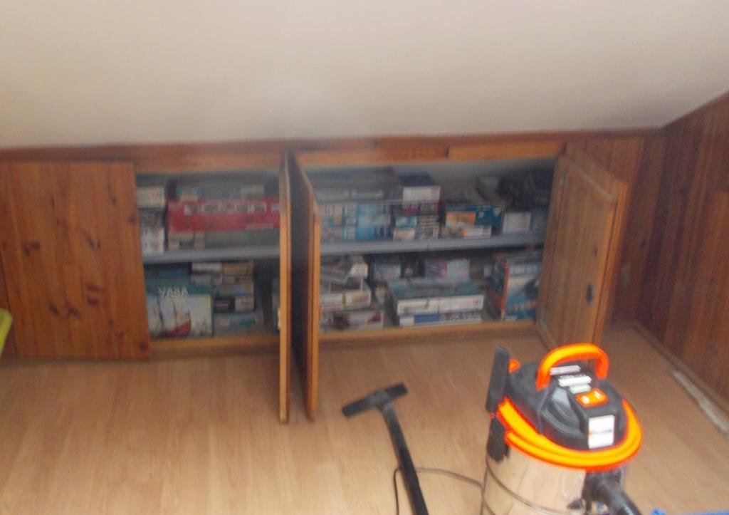 Mon nouvel atelier ( pas encore terminé ) Dscn0240