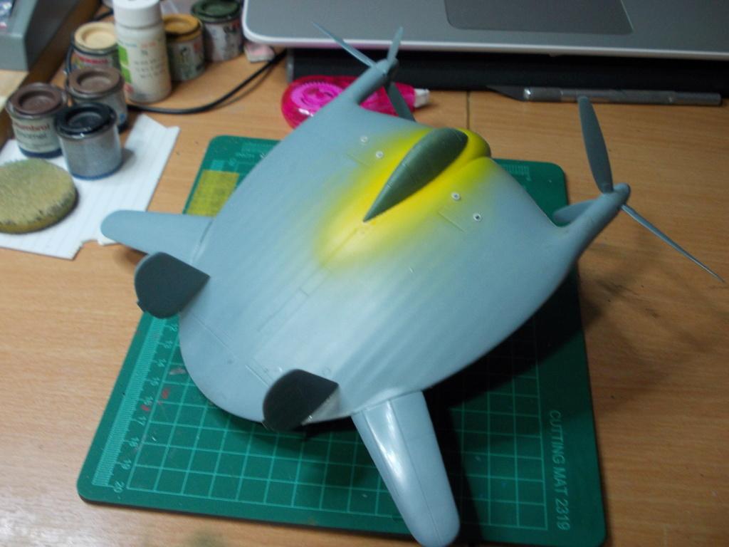 """V-173 """"Flying Pancake"""" (Sword 1/48) Dscn1180"""