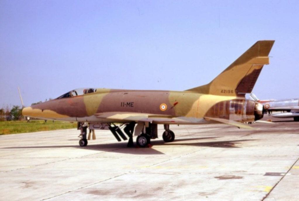 N.A. F-100 D Super Sabre (Trumpeter 1/48 ) F-100d11