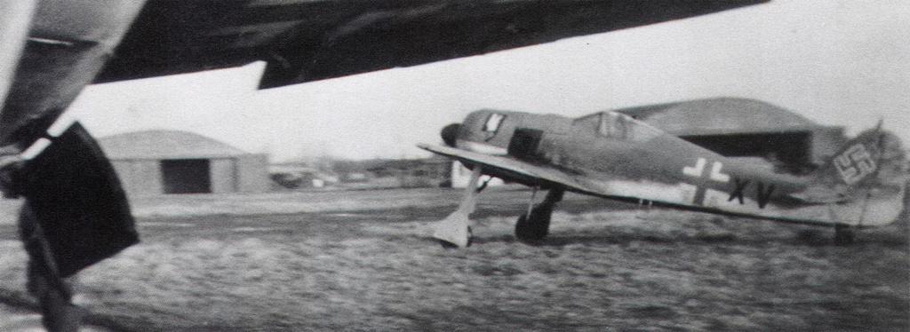 """FW 190 A-5 codé D5 + XV du 10/NJG-3 """"Nachtjagdkommando 190"""" (Eduard 1/48) Focke-16"""