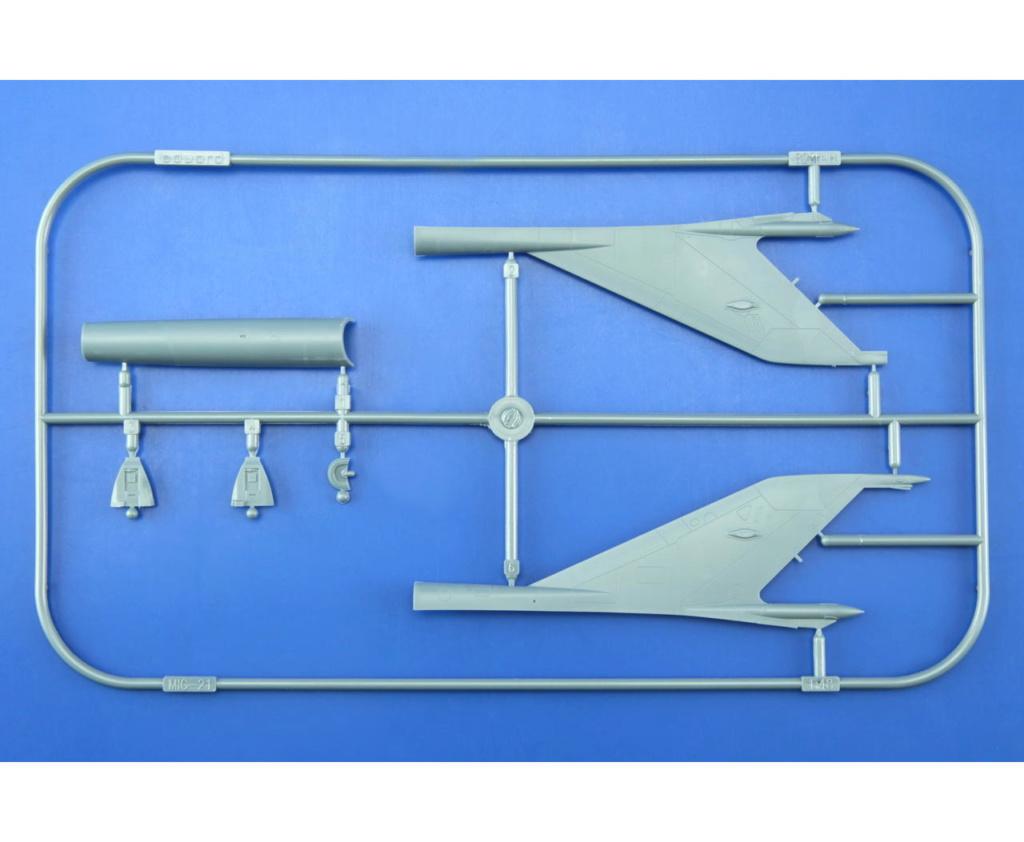 "MiG-21PF (Eduard  réf 1187 ""Silver Harrows "" 1/48)  H10"