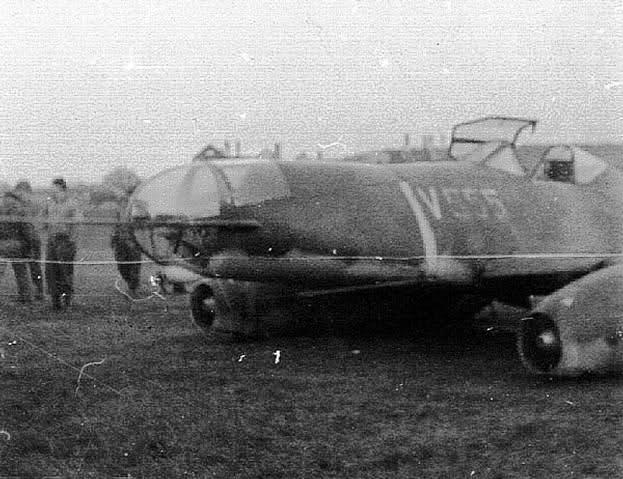 Me 262 A-2a/U2 au 1/48 ( Dragon 5529 versus Hobby Boss 80377 ) Hel12910