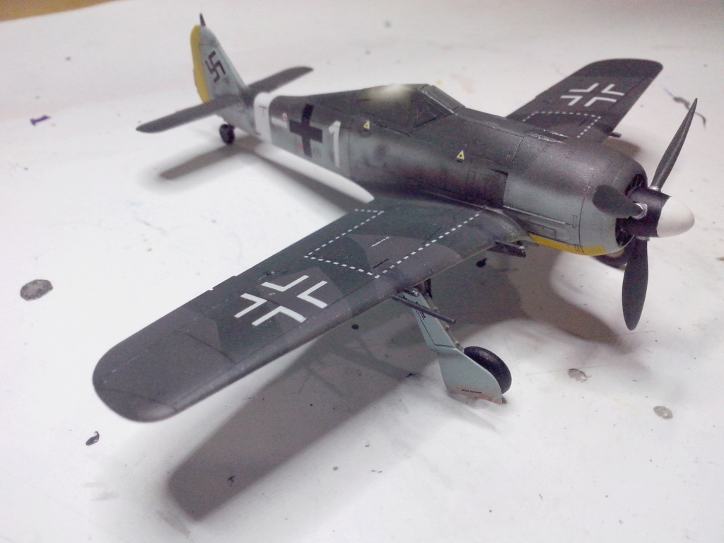 FW-190 A4 (ZVEZDA) - Page 3 Img_2110