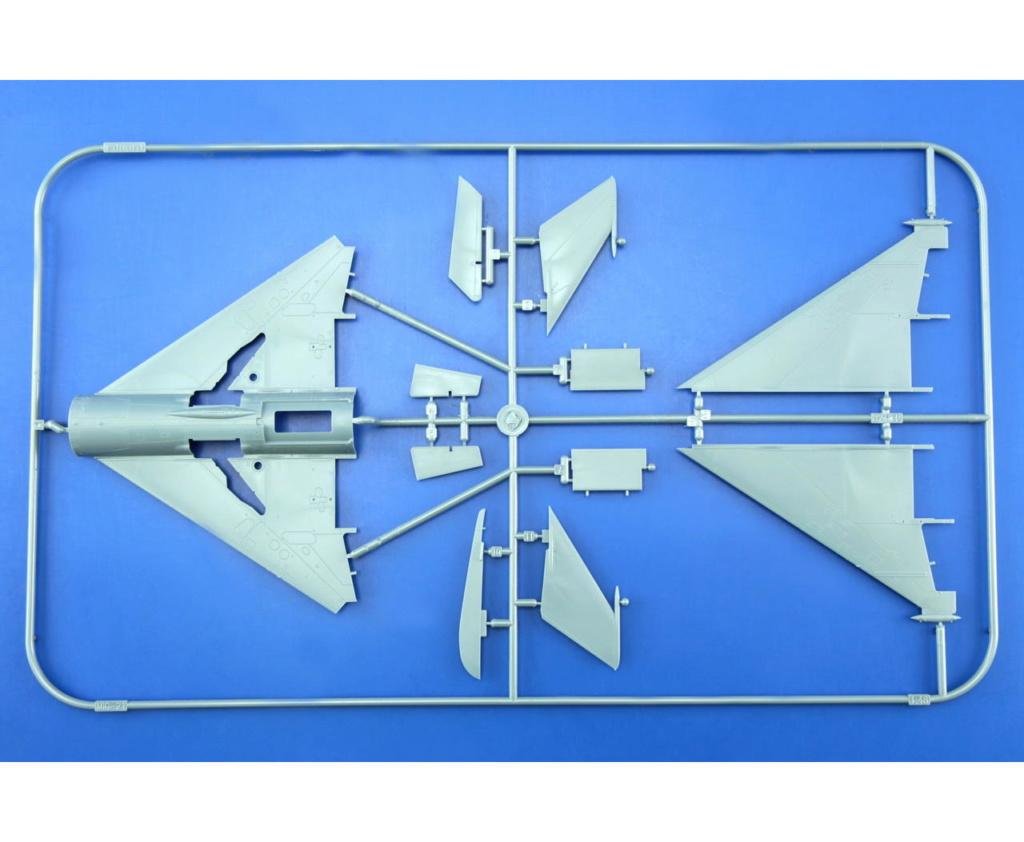 "MiG-21PF (Eduard  réf 1187 ""Silver Harrows "" 1/48)  L10"
