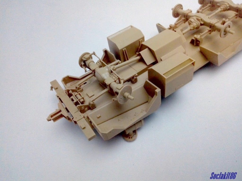 Mine Resistant Ambush Protect  6 x 6 Cougar (Meng 1/35)  M0533