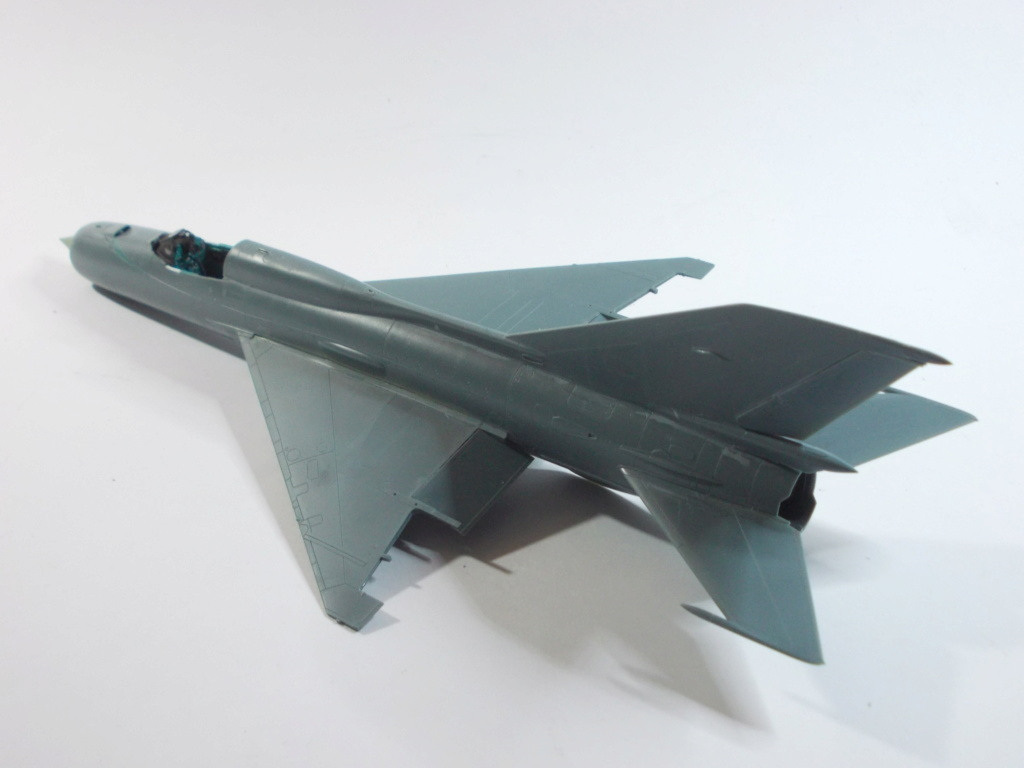 MiG-21 RFMM Izdeliye 94A Fishbed F ( Eduard + Bidouille 1/48 ) - Page 2 M1513