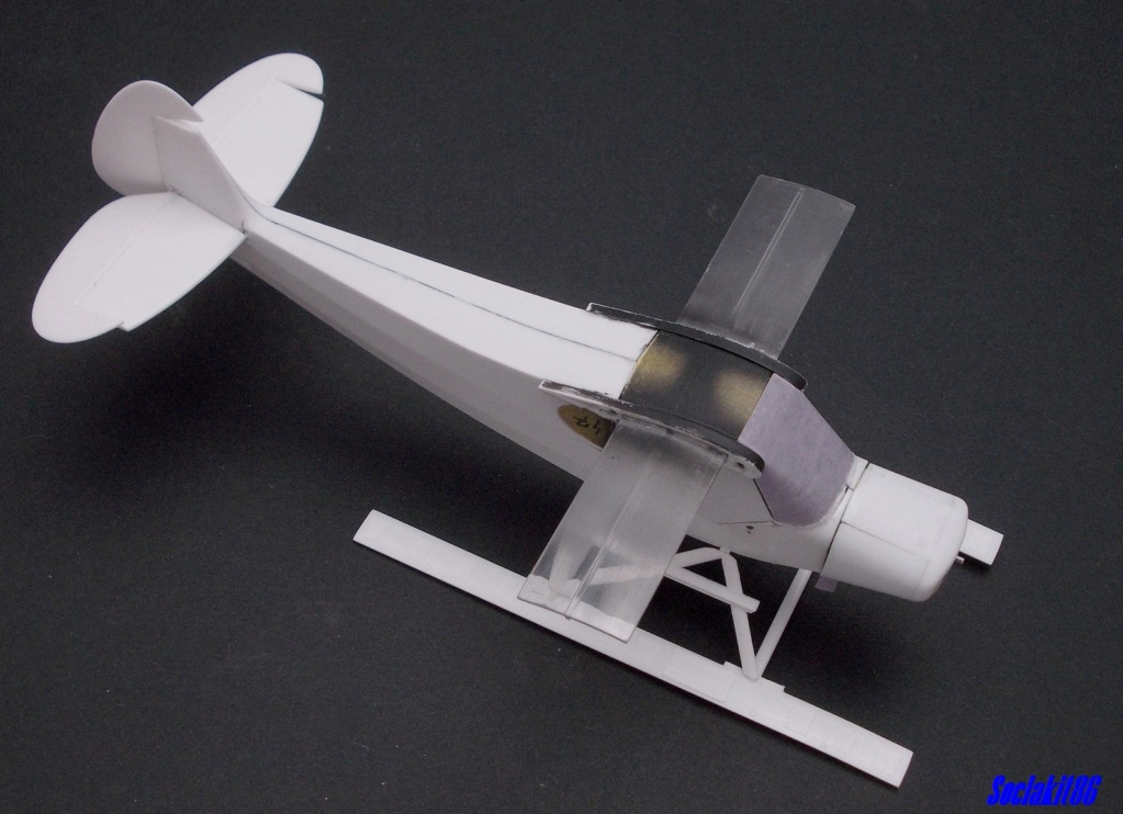 "Piper PA-18-150 "" Super Cub"" Float Plane (Revell 1/32) M1522"