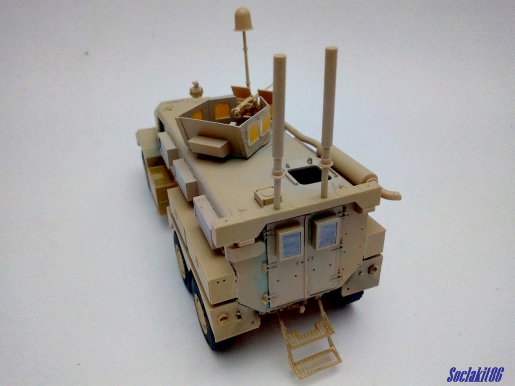 Mine Resistant Ambush Protect  6 x 6 Cougar (Meng 1/35)  M2030