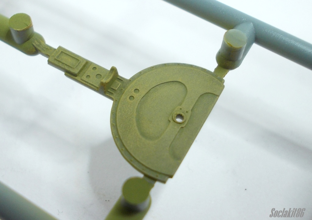 Bell P-400 aux couleurs Russes ( Eduard 1/48) M2117