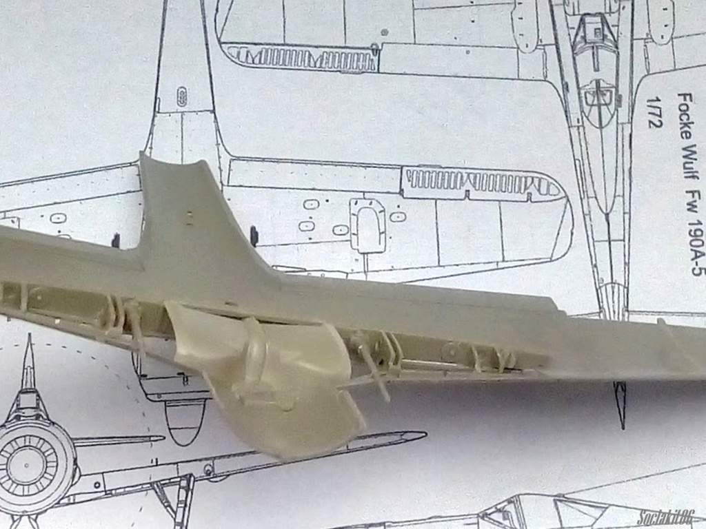 """FW 190 A-5 codé D5 + XV du 10/NJG-3 """"Nachtjagdkommando 190"""" (Eduard 1/48) M2330"""