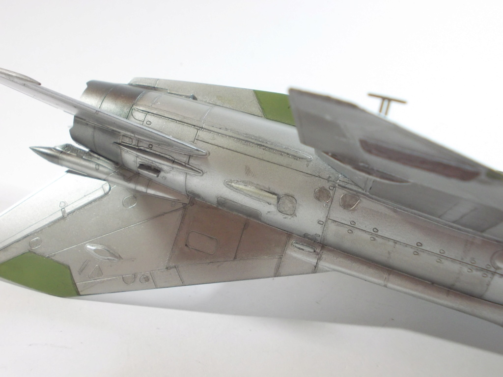 MiG-21 RFMM Izdeliye 94A Fishbed F ( Eduard + Bidouille 1/48 ) - Page 2 M3812
