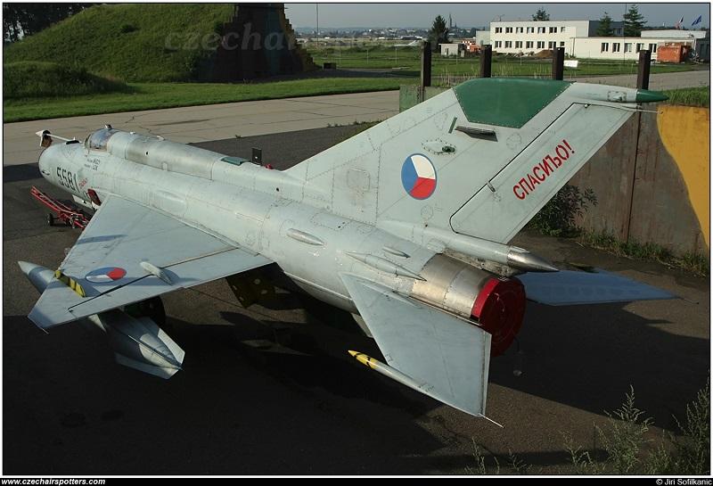 MiG-21 MFN (Eduard 1/48) - Page 4 M4014