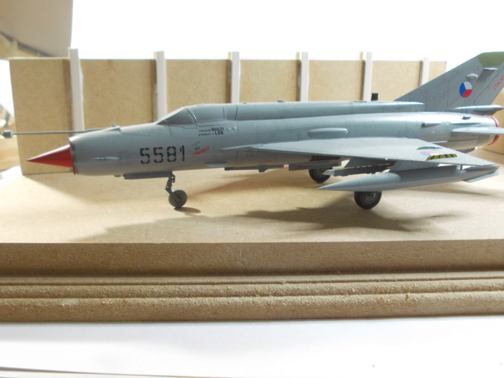 MiG-21 MFN (Eduard 1/48) - Page 4 M4115