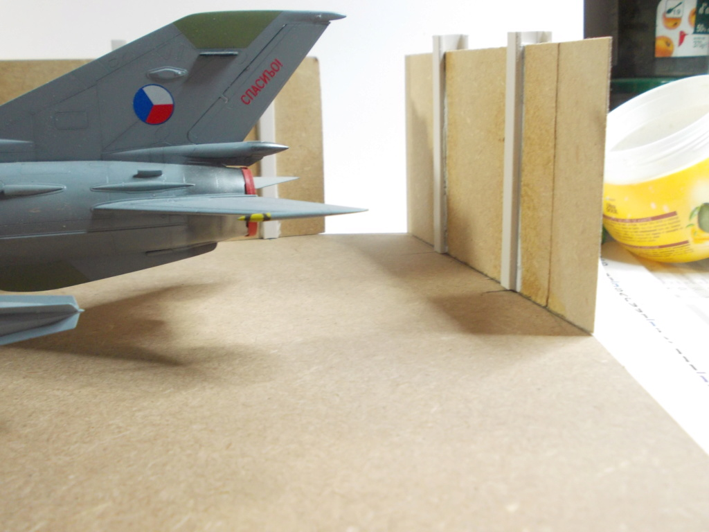 MiG-21 MFN (Eduard 1/48) - Page 4 M4214