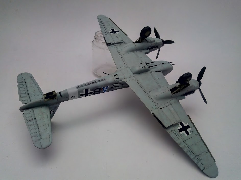Me 410 B-2 / U-2 / R-4 Hornisse (Revell 04533 1/48) - Page 2 M4917