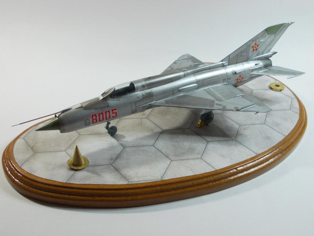 Défi passion : MiG-21 RFMM Izdeliye 94A Fishbed F ( Eduard + Bidouille 1/48 ) - Page 3 M5611