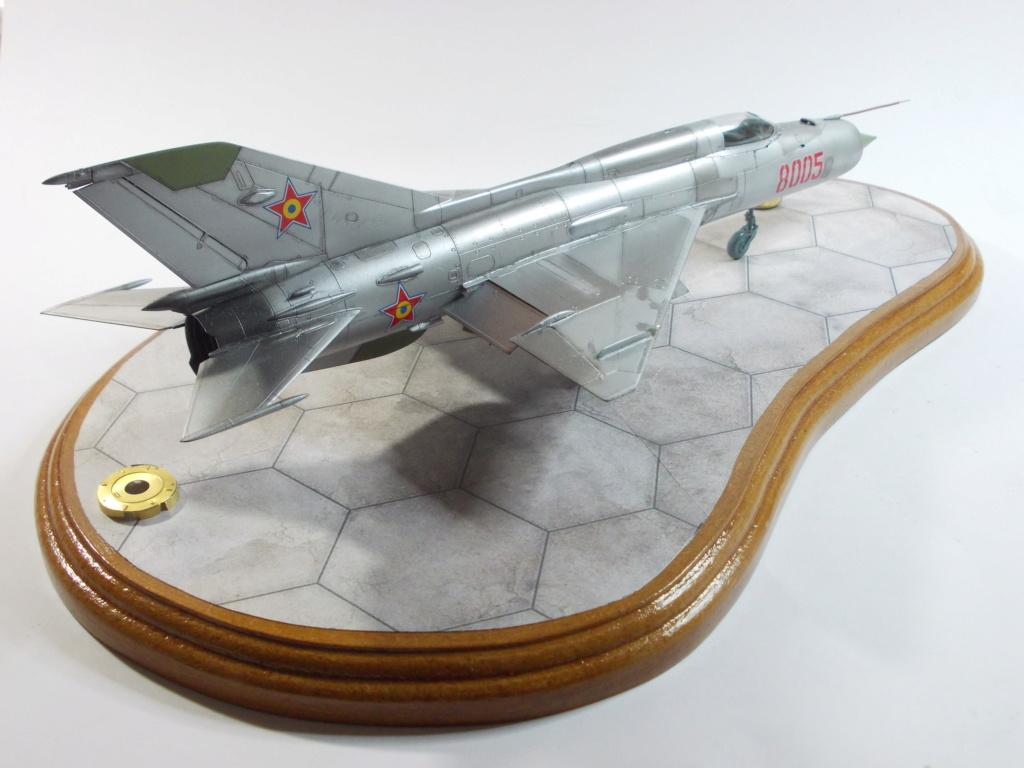 Défi passion : MiG-21 RFMM Izdeliye 94A Fishbed F ( Eduard + Bidouille 1/48 ) - Page 3 M5811