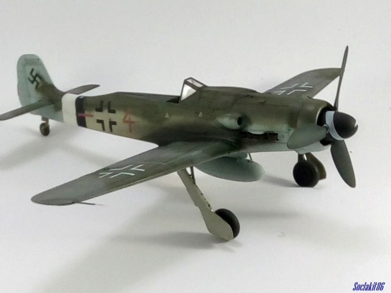 Focke Wulf FW 190D-9 W.Nr. 500647 du 7/JG-26 - Hustedt 1945 (Revell 1/32) - Page 4 M6027