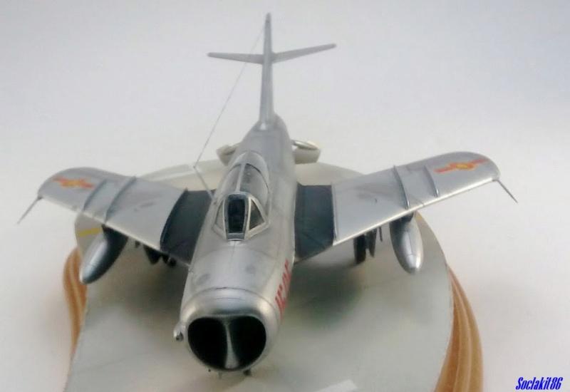 Shenyang JJ-5 Armée de l'air Nord Vietnamienne (Hobby Boss 1/48) - Page 5 M6519