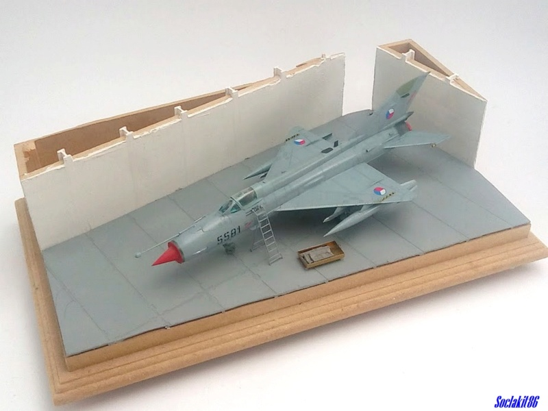 MiG-21 MFN (Eduard 1/48) - Page 5 M6825