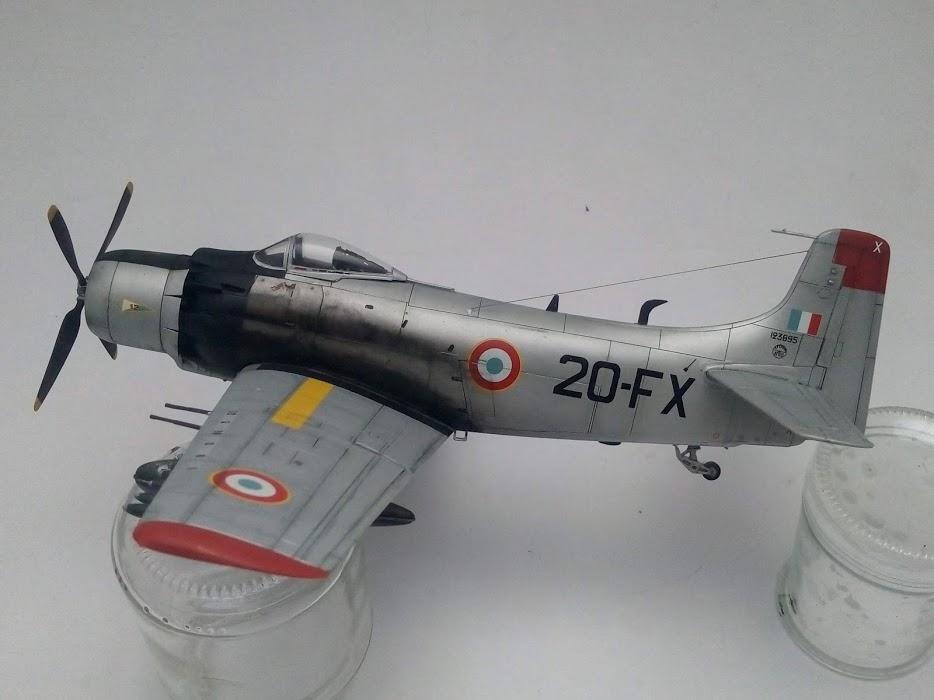 AD-4 Skyraider n°123895 /SFERMA 110 de l'EC 3/20  (Tamiya 1/48) - Page 3 M6917