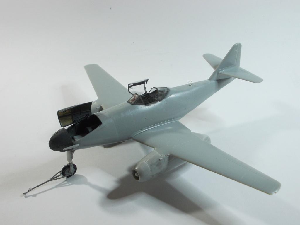 Me 262 A-2a/U2 au 1/48 ( Dragon 5529 versus Hobby Boss 80377 ) M_2211